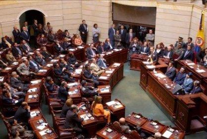 Senado aprueba el 60% de la Reforma Tributaria sin debatirla